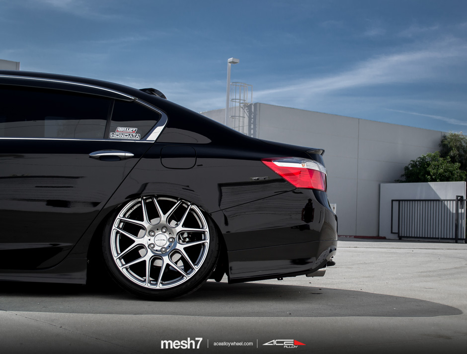 "MESH 7 D707 | 20"" Honda Accord Hypersilver Machine Face"
