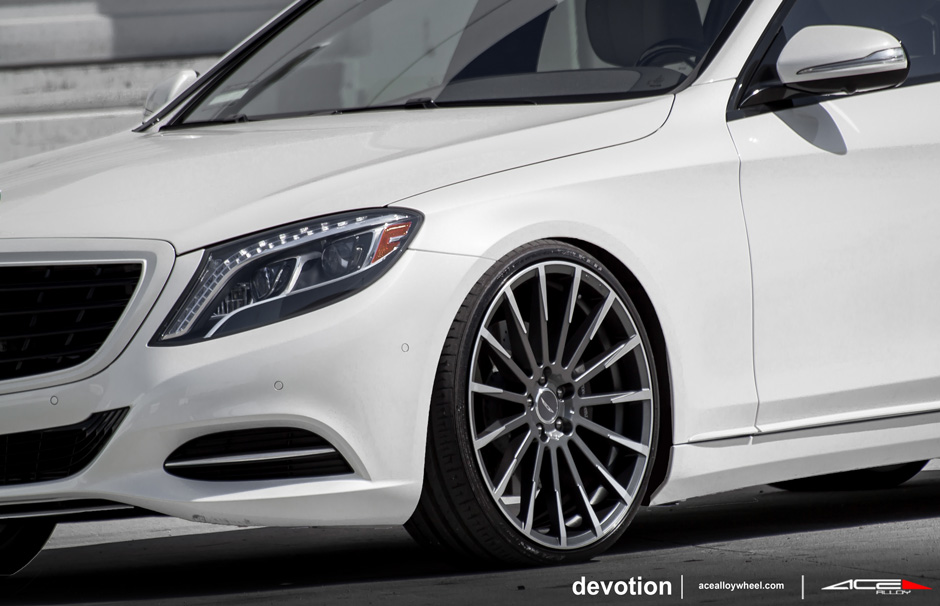 "Devotion D718 22"" Wheel Mercedes Benz S550 Mica Grey Machined Face"