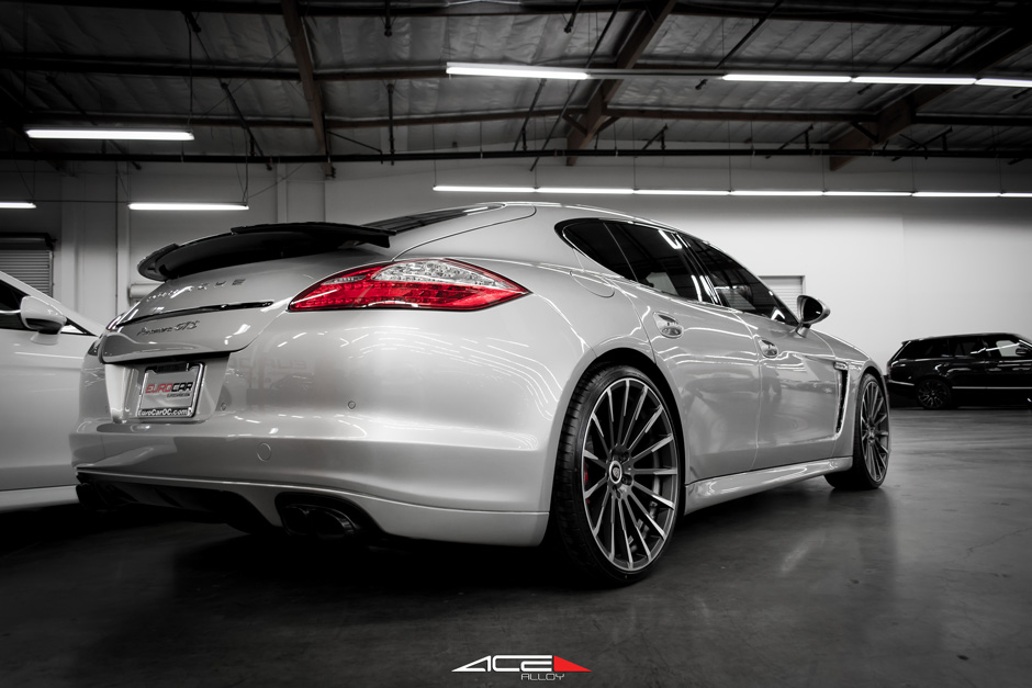 "Silver Porsche Panamera ACE 22"" Devotion D728 Mica Machined Face Aftermarket Wheels"